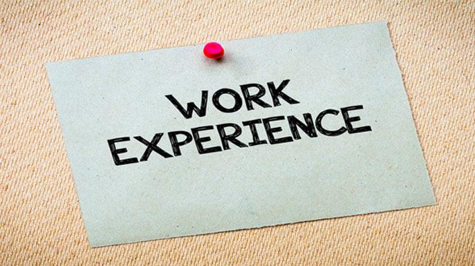 Kick Start Your Career with a Graduate Job Before You Graduate